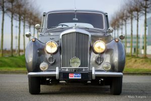Bentley R-type 1953