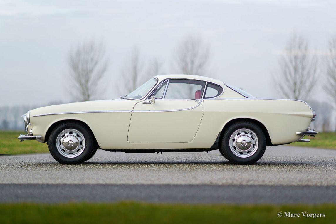 Roger Moore The Saint >> Volvo 1800 S, 1966 - Classicargarage - DE