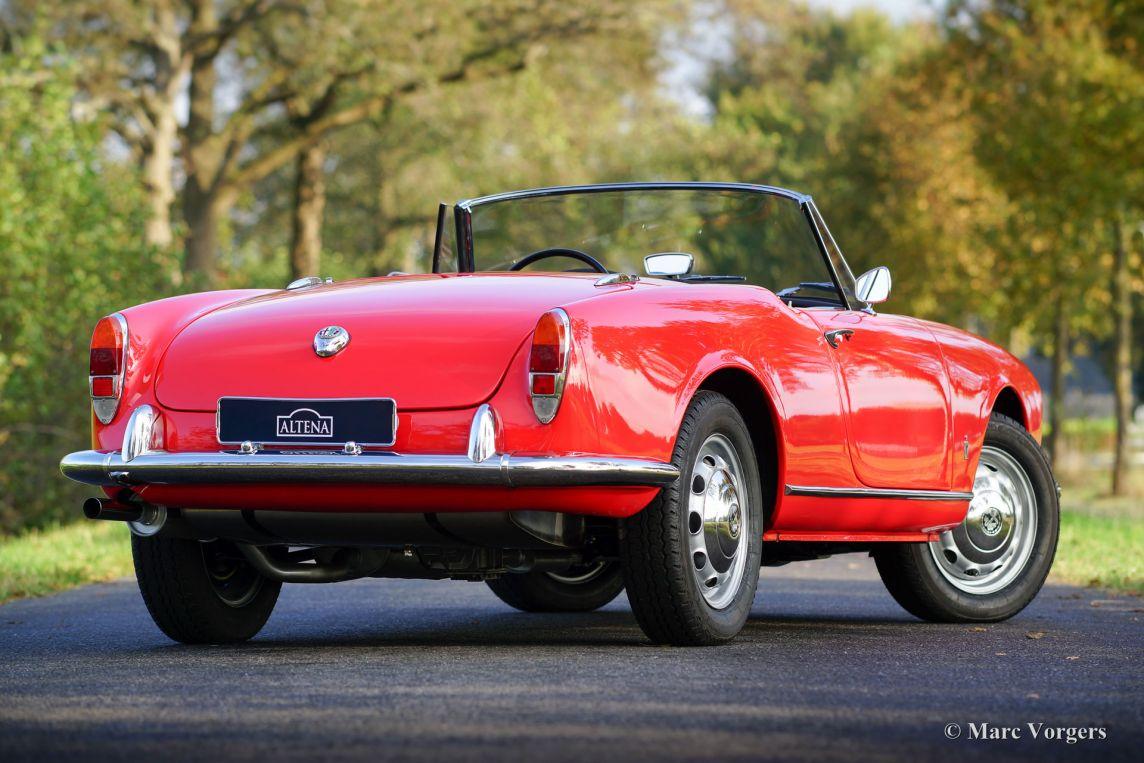 Alfa romeo giulietta spider 1961 classicargarage de for Garage alfa romeo villeneuve d ascq