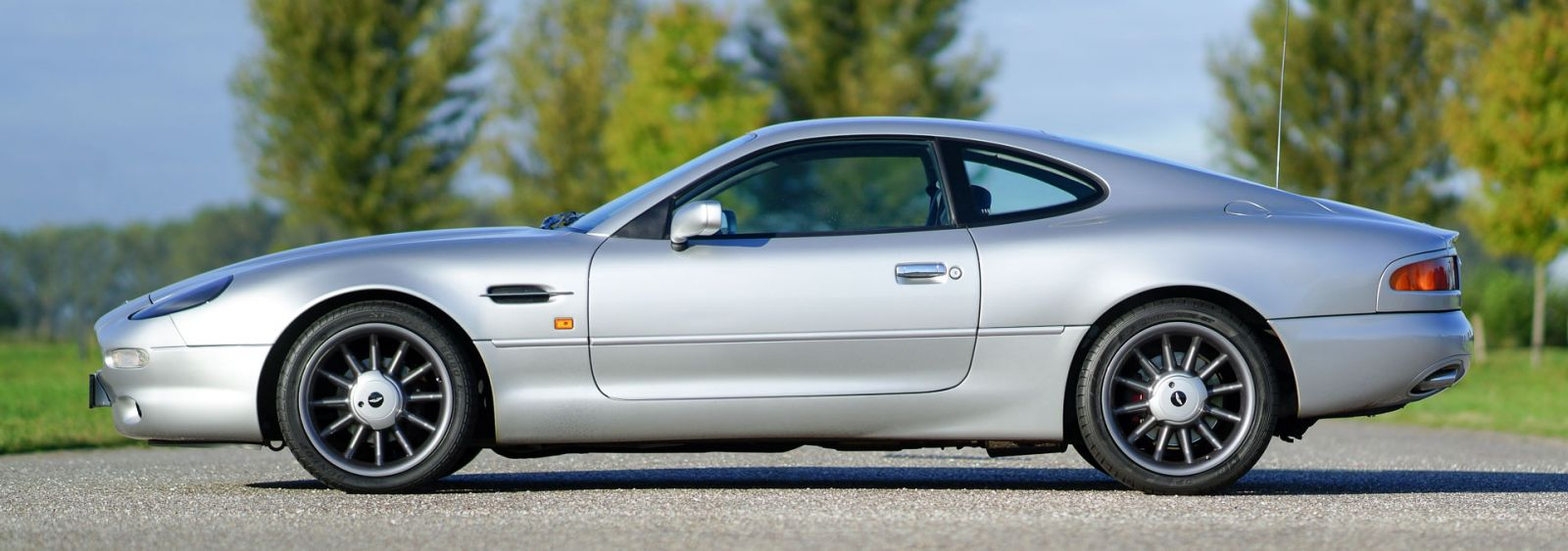 Aston Martin Db 7 Dunhill 1998 Classicargarage De