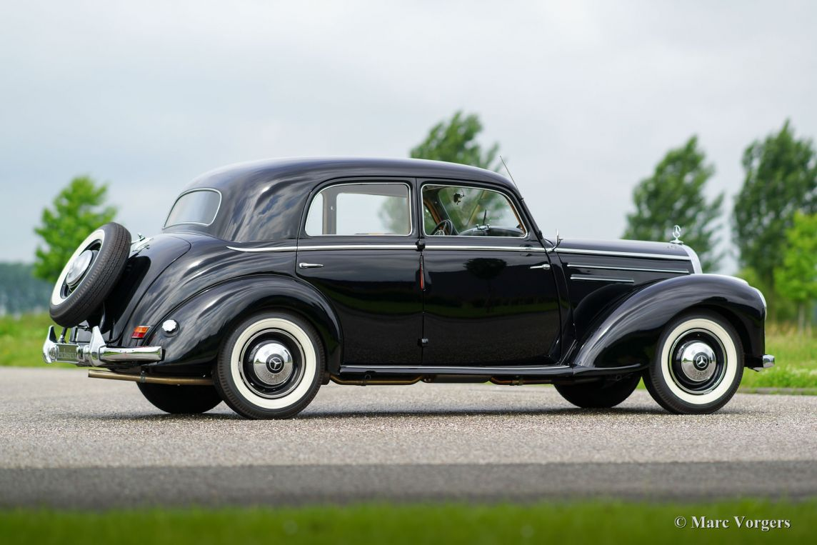 Mercedes benz 220 limousine 1952 classicargarage de for 1952 mercedes benz